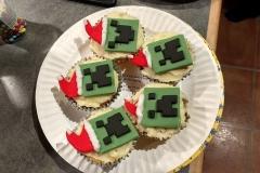 Minecraft Christmas Cupcakes
